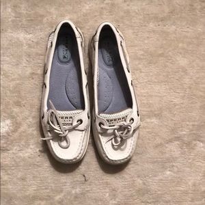 Brand New White Sperry Angelfish Boat Shoes Size 6